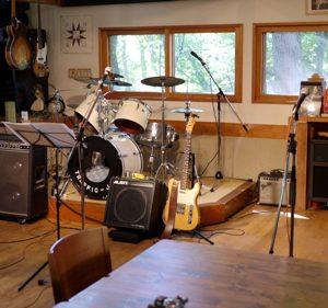 【楽器レンタル】お手軽!安い!パーティー、学園祭、結婚式、野外ライブで助かる楽器レンタルまとめ